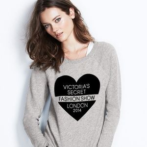VS Fashion Show Gray Official Crew Sweatshirt M
